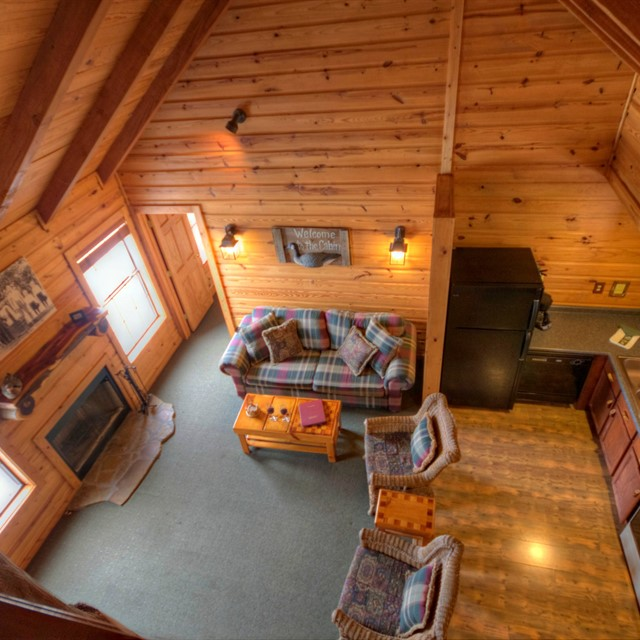 Photo of cabin10-1835775490-O-edited.jpg
